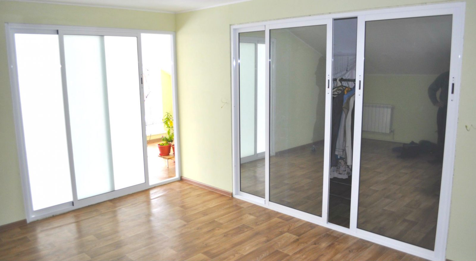 razdvizhnie-aluminievie-dveri.jpg