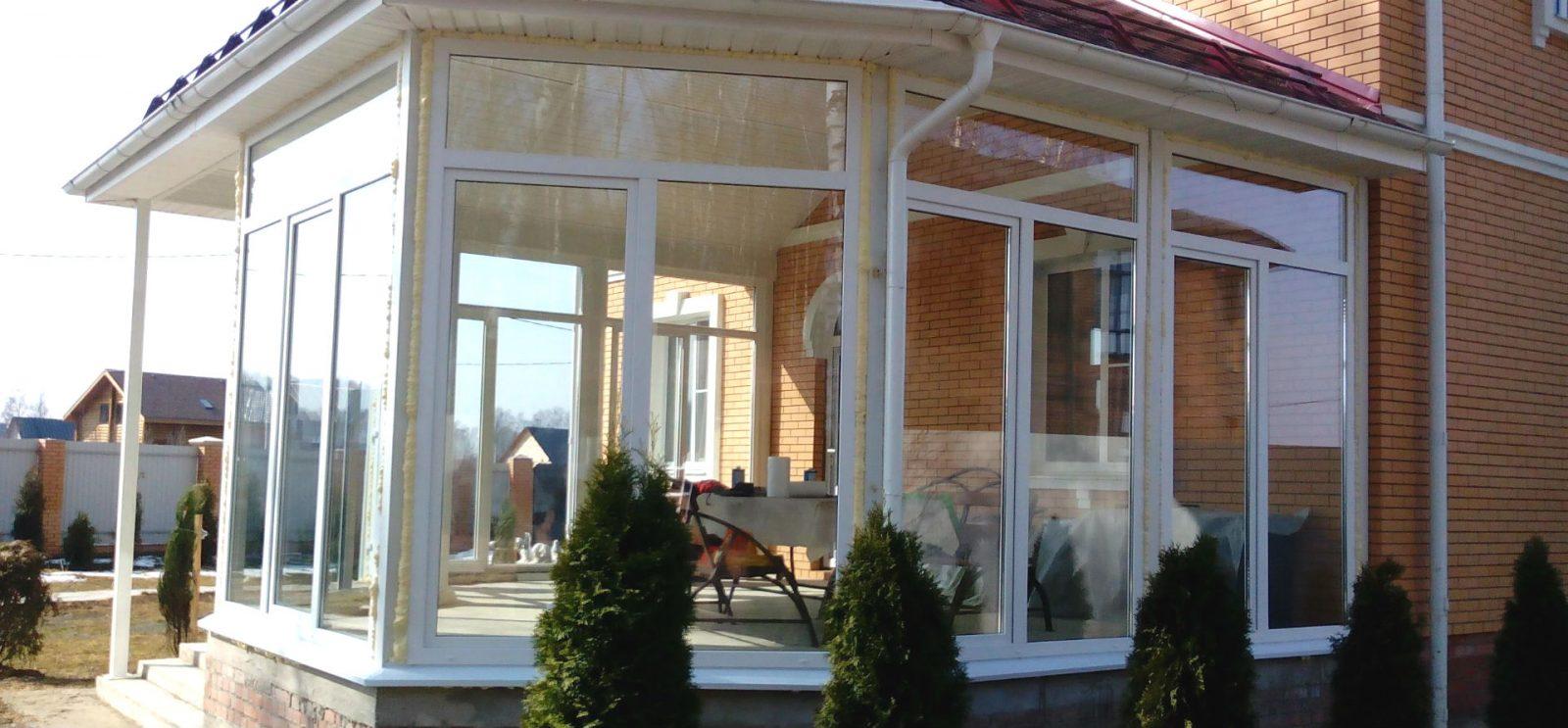 plastikovie-okna-dlya-verandy.jpg